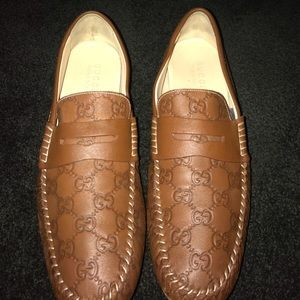 Leather Gucci shoes